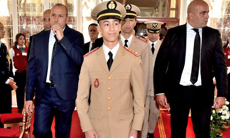 S.A.R. le Prince Héritier Moulay El Hassan préside la cérémonie de sortie de la 19e promotion du Cours supérieur de défense et de la 53e promotion du Cours État-Major