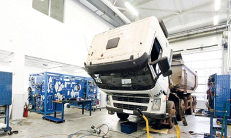 Le garage dispose de «nombreux» moyens techniques, dont une cabine de préparation dotée d'un four de 15 mètres.