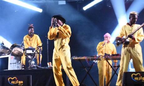 Le groupe «Kokoko» enflamme  la scène du Bouregreg