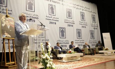 Des discussions élargies sur la démocratie et les contraintes du développement durable