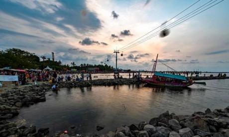 Le centre d'alerte tsunami pour le Pacifique n'a pas émis d'alerte après le séisme. Ph : AFP