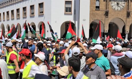 Des milliers de personnes marchent en solidarité avec le peuple palestinien