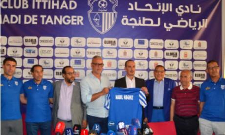 Nabil Neghiz, entraîneur de l'IR Tanger pour les deux prochaines saisons