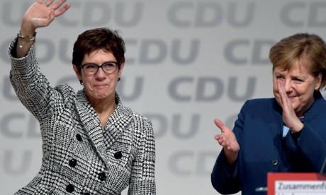 L'avenir du gouvernement Merkel entre les mains des sociaux-démocrates