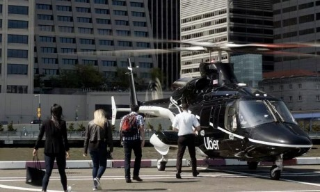 Uber a confirmé le lancement début juillet de ses premières courses par hélicoptère, transportant des passagers entre l'aéroport JFK de New York jusqu'au sud de Manhattan. Ph : AFP