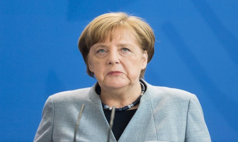 Angela Merkel prise  d'un malaise lors d'une cérémonie officielle