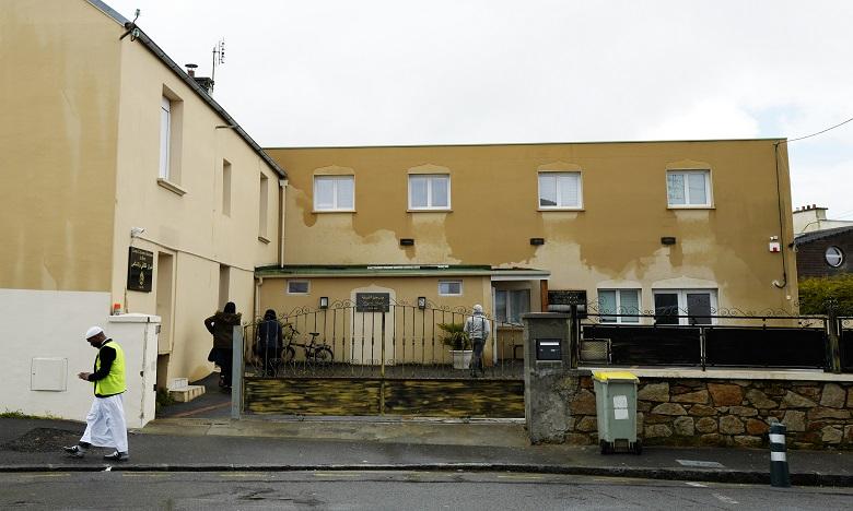 Coups de feu devant la mosquée de Brest: le tireur présumé retrouvé mort