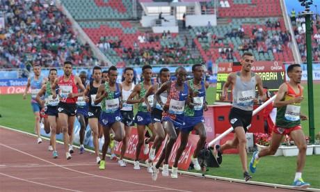 Les athlètes éthiopiens brillent à Rabat, Rabab Arafi pulvérise le record national du 1.500 mètres