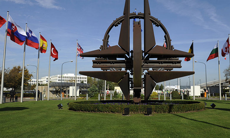 Une délégation d'officiers des Forces Armées Royales visite le siège de l'OTAN