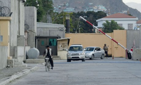 La Zone verte de Kaboul vit bunkérisée. Tout autour, des kilomètres de T-Walls s'élèvent pour la protéger : des blocs de béton armé larges de 50 centimètres et faisant jusqu'à six mètres de haut. Ph. AFP