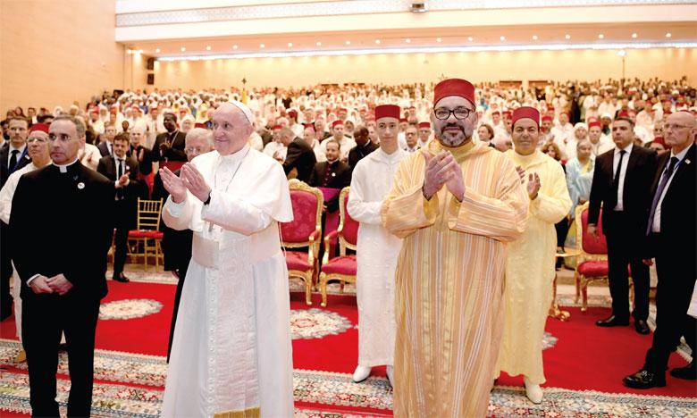Sa Majesté le Roi Amir Al Mouminine et le Chef de l'Église catholique prônent le dialogue interreligieux