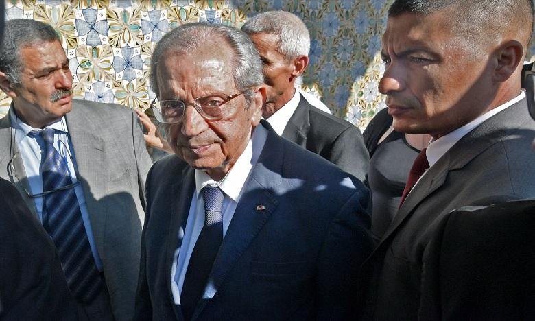 Le président tunisien par intérim prête serment