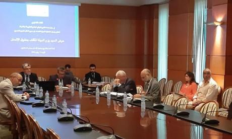Mustapha Ramid présente le projet de rapport national relatif à la Convention internationale sur l'élimination de toutes les formes de discrimination raciale