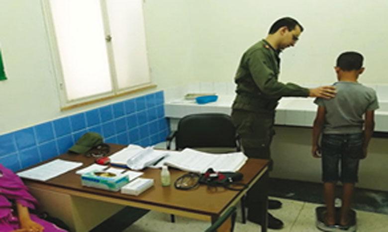 Les médecins des FAR offrent des prestations médicales aux habitants de Tata, Aqqa et de Foum Lahcen