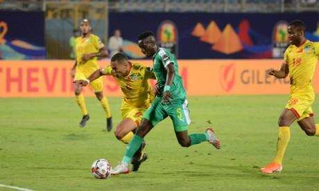 Le Sénégal fissure la muraille défensive béninoise,  les Super Eagles survolent les Bafana Bafana