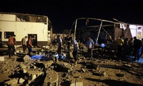 Libye : Des dizaines de victimes après un raid contre un centre de migrants