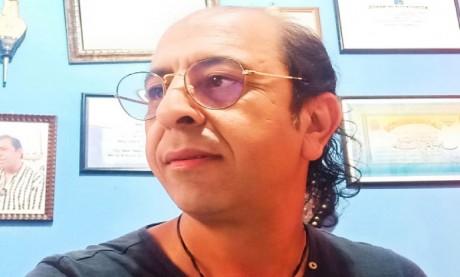 Aziz Tounsi consacré par la Médaille d'Étain de l'Académie des «Arts-Sciences-Lettres» de Paris