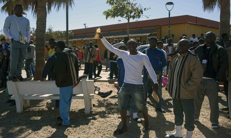 Une cinquantaine de migrants forcent la clôture de Melilla