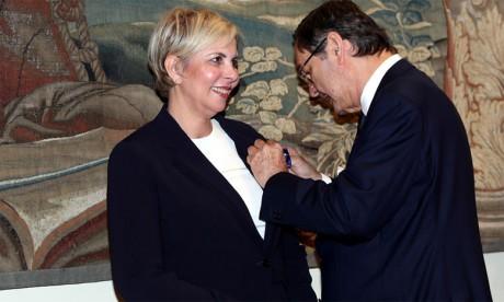 Nezha Hayat décorée par le Roi d'Espagne  Felipe VI pour son engagement en faveur des relations économiques maroco-espagnoles