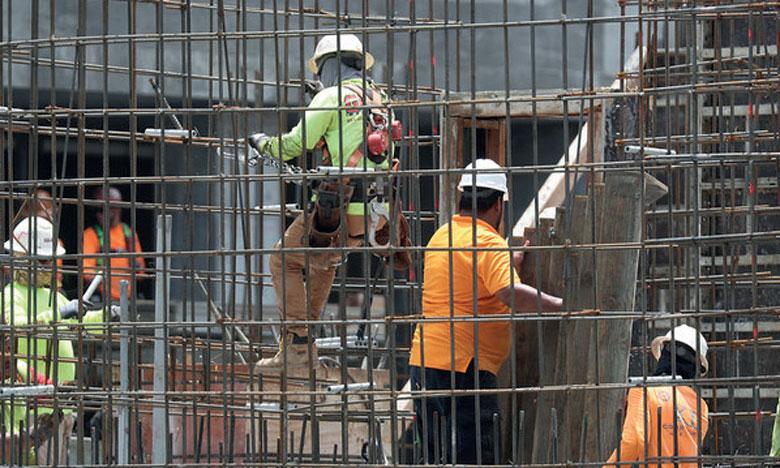 Économie en expansion, chômage en baisse, mais de difficiles fins de mois pour 4 citoyens sur 10