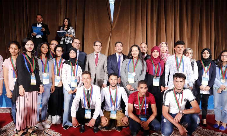 La cérémonie de remise des prix a été marquée par la présence du Chef du gouvernement, Saâd Dine El Otmani,  et du ministre de l'Éducation nationale, Saaïd Amzazi.