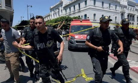 L'EI revendique l'action  kamikaze en banlieue de Tunis
