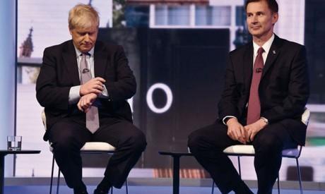 Les deux candidats au 10 Downing Street, Boris Johnson (à gauche) et Jeremy Hunt, n'ont pas écarté l'hypothèse d'une sortie britannique de l'UE sans accord.        Ph. AFP