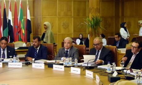 Le Maroc prend part à la réunion du comité permanent des médias arabes