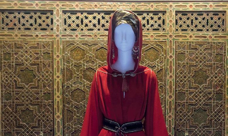 Une expositioan met en exergue la richesse du costume traditionnel et les secrets de l'élégance féminine au Maroc
