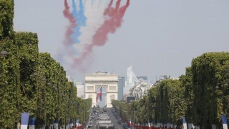 France : Grand défilé militaire pour célébrer le 14-juillet
