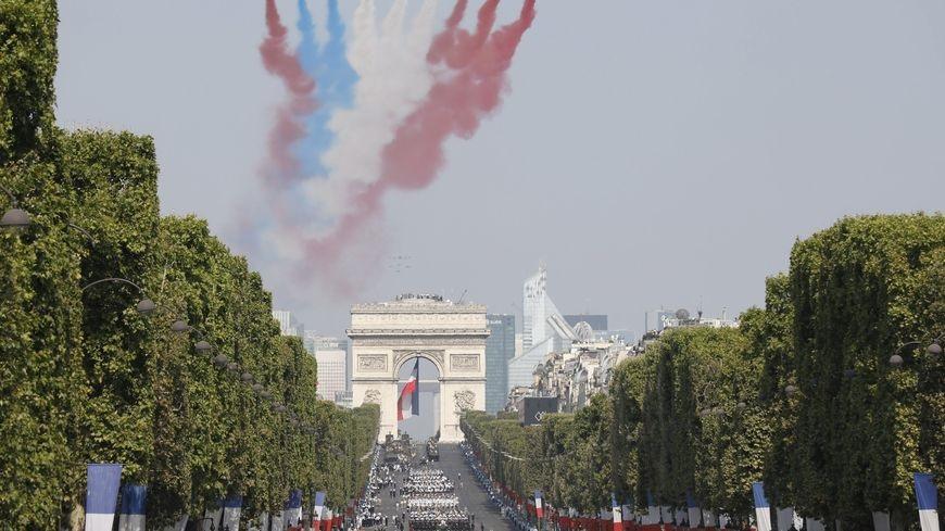 Le défilé est ouvert par des soldats et des officiers venus des neuf autres pays européens, qui ont envoyé également des avions et des hélicoptères dans le ciel de Paris. Ph: DR