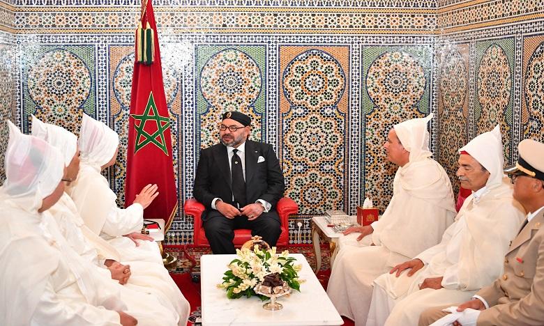 S.M. le Roi, Amir Al-Mouminine, reçoit la délégation officielle devant se rendre aux Lieux Saints de l'Islam pour le pèlerinage