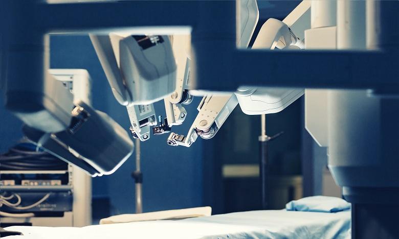 L'intervention chirurgicale robotisée a porté, pour la première fois, sur le syndrome dit de «Dunbar». Ph : DR