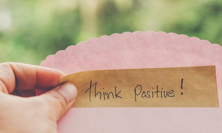 Dans l'ensemble, les résultats suggèrent que l'optimisme pourrait être une ressource psychosociale importante pour prolonger la durée de vie. Ph. Shutterstock