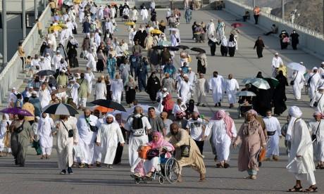 Les pèlerins marocains accomplissent les rituels du Hajj dans des conditions normales