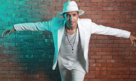 L'artiste Issam Kamal enflamme la scène  lors deson concert à Montréal
