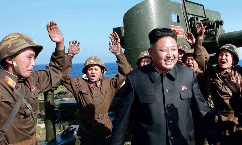 L'agence officielle KCNA a indiqué que M. Kim avait personnellement assisté au tir de missiles de mardi dernier.         Ph. AFP