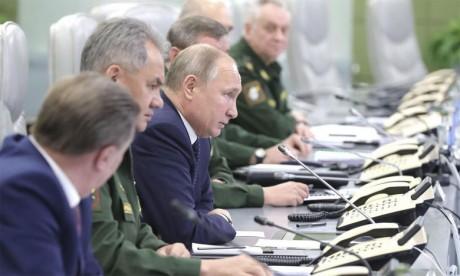 Vladimir Poutine promet  une «réponse symétrique»