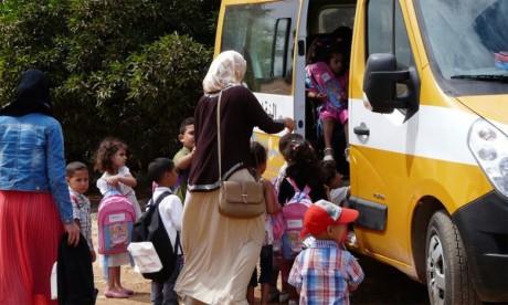 Distribution de bus de transport scolaire au profit de cinq communes rurales