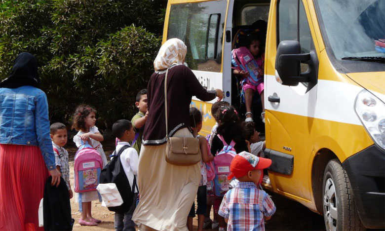 Distribution de bus de transport scolaire au profit de cinq communes rurales
