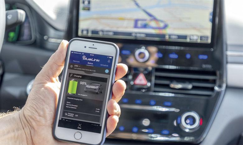 Les services LIVE de Hyundai sont proposés aux conducteurs optant pour le système de navigation 10,25 pouces.