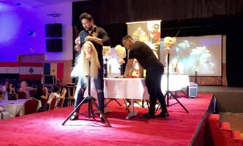 Le salon a été marqué par plusieurs activités, notamment des formations professionnelles au profit des élèves des écoles de coiffure et d'esthétique et des coiffeurs et esthéticiens professionnels.