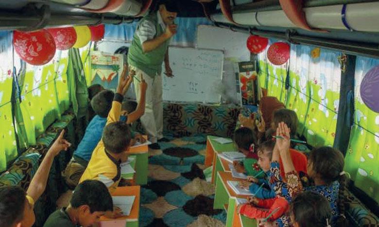 En fonction de leur niveau, les écoliers âgés de cinq à 12 ans ont des cours de mathématiques, de lecture et d'écriture, mais aussi parfois d'anglais ou de sciences.Ph. AFP
