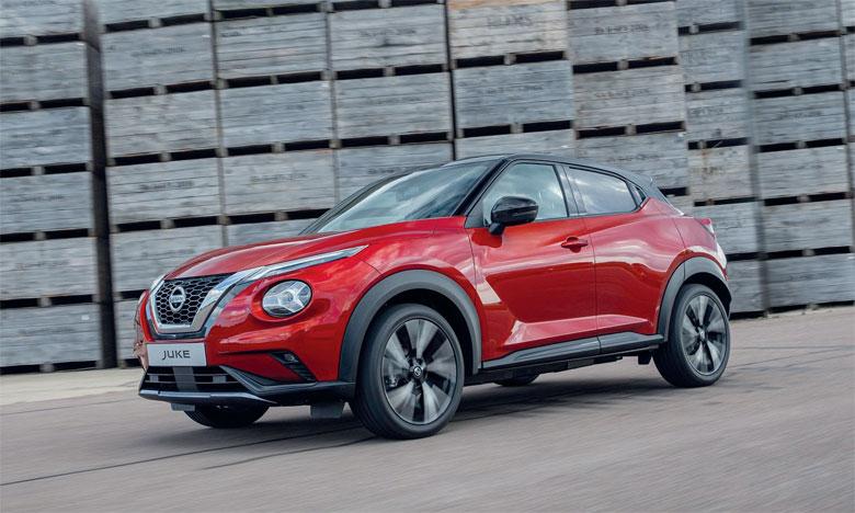 Une couleur exclusive (rouge Fuji) rejoint une gamme de 10 couleurs de carrosserie et plusieurs combinaisons biton sont disponibles.