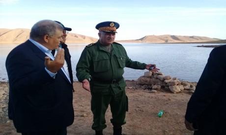 Une délégation de haut niveau s'enquiert de la situation sur le terrain et se rend au chevet des blessés de l'accident d'autocar causé par les crues de l'Oued Damchan à Errachidia