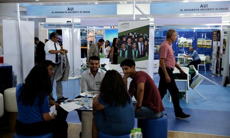 Le 17e Forum de l'étudiant de Casablanca est une opportunité idéale pour les jeunes et les parents d'élèves afin de poser leurs questions et d'échanger avec des conférenciers de renom. Ph : MAP