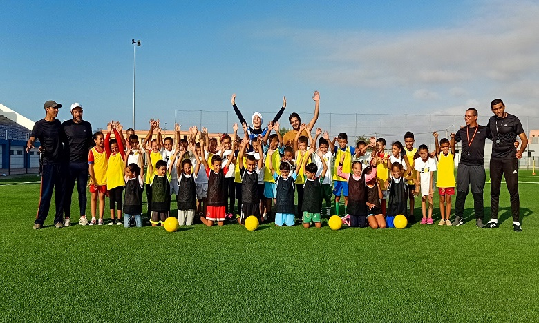 LEAD Maroc utilise le football comme mécanisme d'incitation positive pour améliorer les résultats scolaires, éliminer les obstacles liés au genre, et autonomiser les futurs leaders du pays.