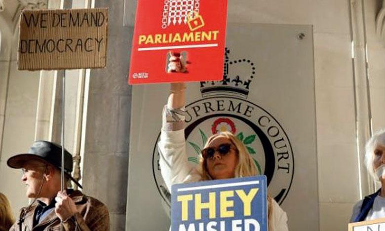 Manifestation devant la Cour suprême à Londres, le 17 septembre 2019, pour protester contre la fermeture  du Parlement du Royaume-Uni, décidée par le Premier ministre, Boris Johnson.                   Ph. AFP