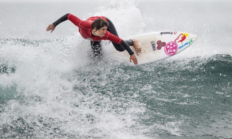 «J'ai l'impression d'être dans un rêve. C'est incroyable d'être ici et de gagner une médaille d'or contre les meilleures surfeuses du monde», s'est réjouie la Péruvienne Sofia Mulanovich. Ph : AFP