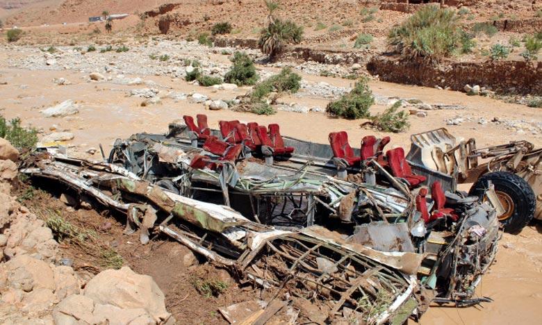 Toutes les mesures nécessaires ont été prises pour soigner les 29 blessés, après le renversement d'un autocar, suite aux crues causées par les pluies diluviennes. Ph. AFP